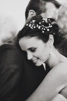 This image has an empty alt attribute; its file name is AleishaDarren_SmittenWeddings_407.jpg